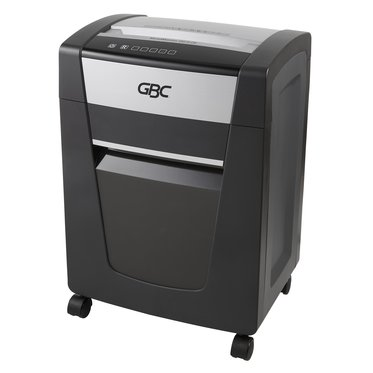 ShredMaster SM15-08 Micro-Cut Shredder, 15 Sheets, 1 - 5 Users